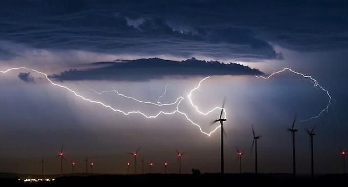 Experts detail the important technical parameters of lightning arresters